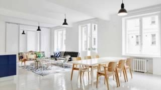 White Laminate Flooring Glossy in Living Room