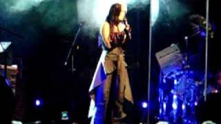 TARJA TURUNEN CIARAN´S WELL SING FOR ME 26 5 09 TRASTIENDA