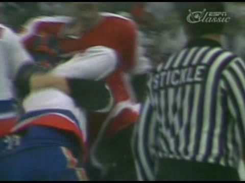 Clark Gillies vs. Paul Holmgren