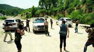 1 female special soldier VS 8 criminals