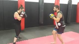 Comment reculer en frappant votre adversaire - Boxe