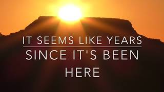 """Video thumbnail of """"Here comes the sun with lyrics The Beatles"""""""