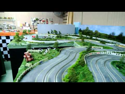 1/32 Wooden Routed Slot Car Track – 1960's theme – Scalextric MASERATI Test Drive
