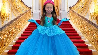 Alice Dress Up And Wants New Dresses - Surprise For Princess