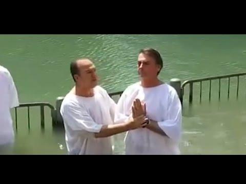Bolsonaro é batizado por pastor Everaldo  no rio Jordão