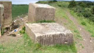 preview picture of video 'Anti-tank blocks (Dragons Teeth) vid 2.At edge of River Thames, Salt Lane, Cliffe.Kent'