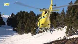 preview picture of video 'Pisters i grups de rescat del Pirineu aprenen a localitzar víctimes d'allaus en helicòpter'