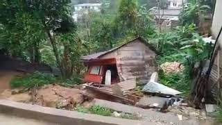 Casa cae al abismo tras deslizamiento en Carchá