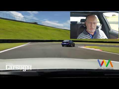 Teste de desempenho: BMW 330i M Sport Turbo 2019 na pista anda muito. Veja agora.