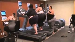 Смотреть онлайн Девушкам самое время заняться фитнесом