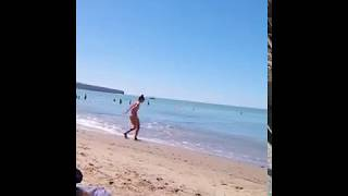 Прикол на море с дурой