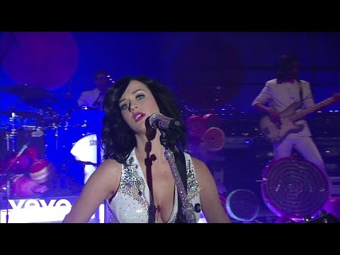 Katy Perry – Thinking Of You (Live on Letterman)