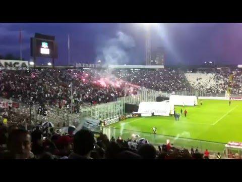 """Espectacular Recibimiento Garra Blanca, Colo Colo - Independiente del Valle Copa Libertadores 2016"" Barra: Garra Blanca • Club: Colo-Colo"