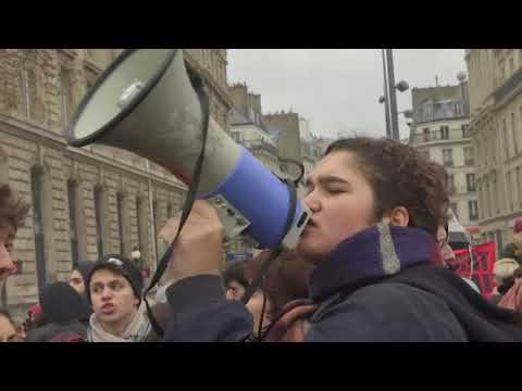 Several hundred high-school students marched in Paris Friday amid a nationwide protest against the French government's fiscal policies. Tensions rose after amateur video showed more than 150 students arrested outside of Paris. (Dec. 7)