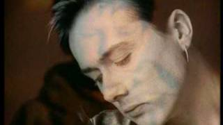Suede - So Young (M/V)
