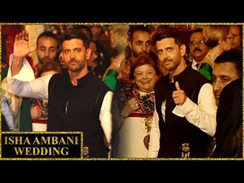 Hrithik Roshan Looks DASHING In The Indian Attire At Isha Ambani Wedding
