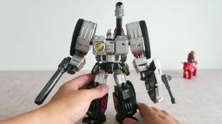 小不高兴和他的小伙伴们——SparkToys ST-02 SPARTACUS (War Within Megatron) 内战威震天