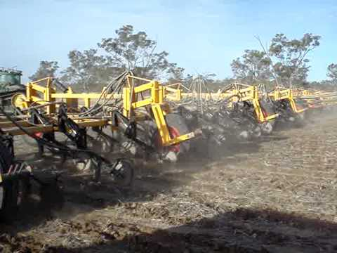 160ft Multiplanter planting/sowing around the trailer - Multi Farming Systems