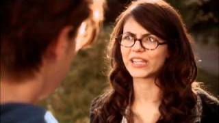 "Виктория Джастис, The Boy Who Cried Werewolf Movie Clip ""Dog Park"""