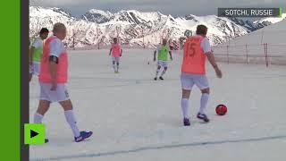 Du football à l'altitude de 2 000 mètres : des équipes établissent un record russe