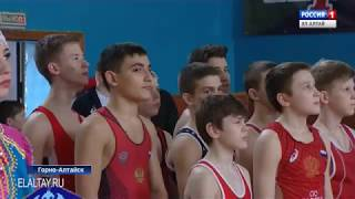 Турнир по греко-римской борьбе памяти Михаила Карамаева прошел в столице региона