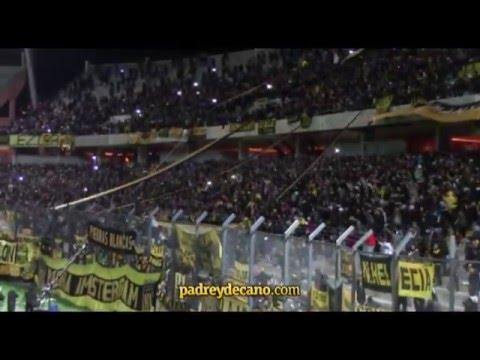"""""""Hinchada de Peñarol en el Estadio Campeón del Siglo"""" Barra: Barra Amsterdam • Club: Peñarol"""