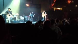 """Dierks Bentley """"Country & Cold Cans"""" LIVE!"""