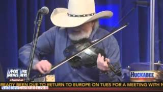 """Charlie Daniels performs """"The South's gonna do it again"""" on Huckabee"""
