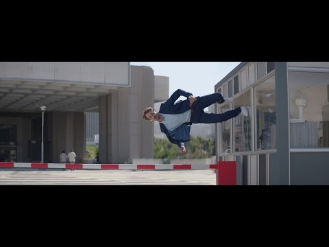 Boursorama Commercial (2016) (Television Commercial)
