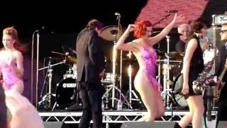 Bryan Ferry - Let's Stick Together (Hop Farm Festival 2011)