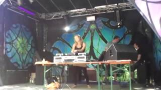 preview picture of video 'Intro Djane Gaby @ Weltmusik Festival 2013 Pfaffing Germany TEIL 1'
