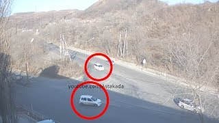 Astakada Владивосток ДТП 5 января 2019 ул. Снеговая ул. Выселковая Honda HR-V и Mazda Demio