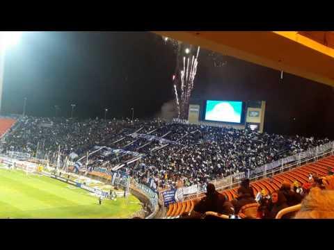 """""""Recibimiento con fuegos artificiales, Godoy Cruz Gremio-Ovación"""" Barra: La Banda del Expreso • Club: Godoy Cruz"""