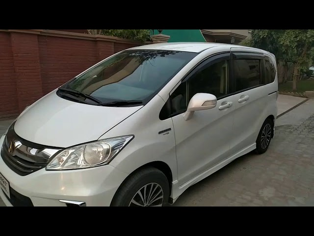Honda Freed + Hybrid B 2014 for Sale in Lahore