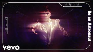 Musik-Video-Miniaturansicht zu Be an Astronaut Songtext von Declan McKenna