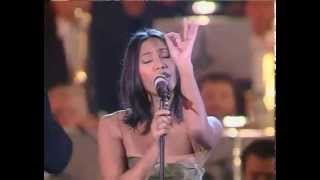 Anggun - Still Reminds Me (Live @ Vatican - Christmas-16/12/ 2000)