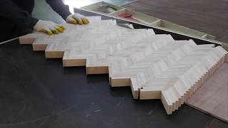 DIY PLYWOOD COFFEE TABLE USING HERRINGBONE PATTERN
