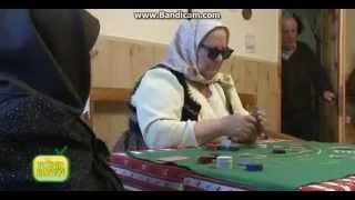 Babe Care Joaca Poker Pe Dezbracate