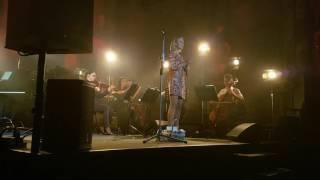 Monika Po dangum (su styginiu kvintetu)