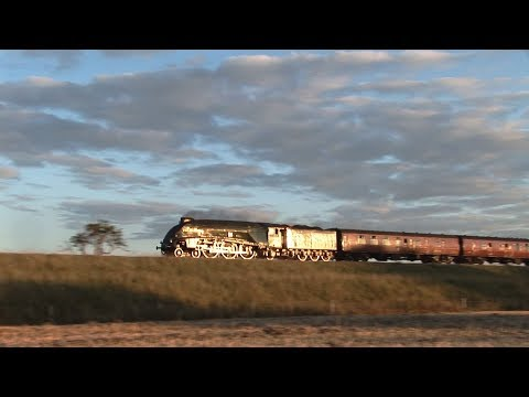 60009 'Union of South Africa' near Castle Cary with 'The Wes…