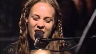 Fiona Apple - Never Is A Promise (Live 1997)