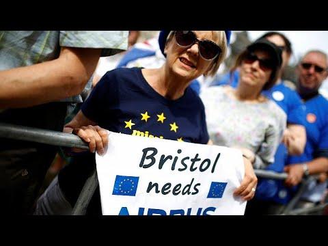 Έκκληση στις εταιρείες να σταματήσουν τις απειλές για το Brexit…