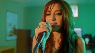 NIKI DEMAR - Messy Room (Performance Video)