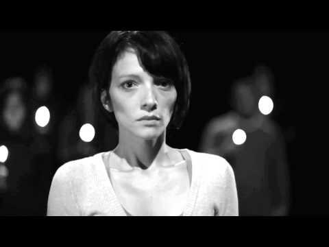Да излеземе од мракот на насилството - 2011