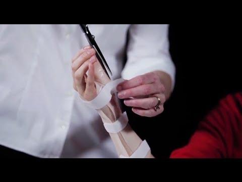Die Entzündung des Kernes des Daumens des Beines bei den Männern
