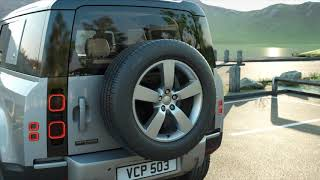 Land Rover How to use Storage Compartments - Land Rover Defender (20MY) Advert