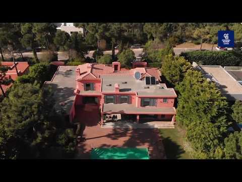 Para Venda | Moradia Saint-Tropez com Jardim e Piscina | Quinta da Marinha Cascais