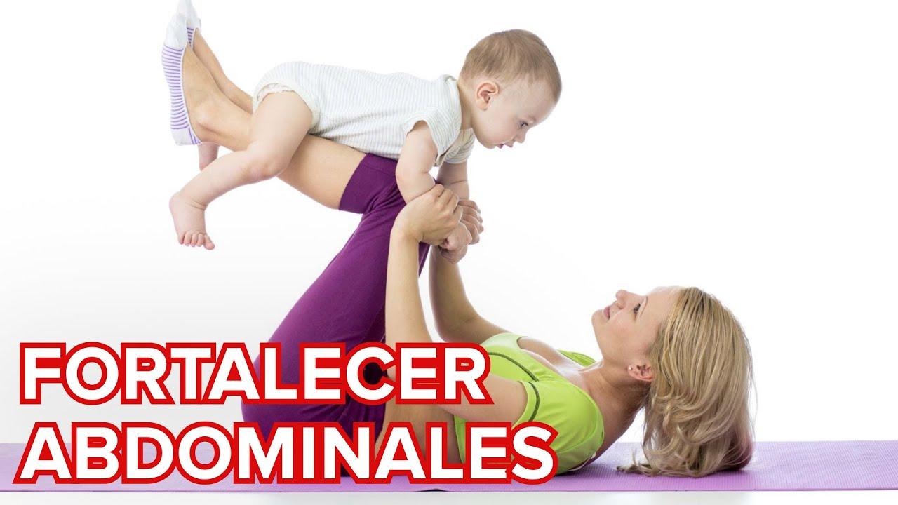 Ejercicios de abdominales con el bebé para después del parto