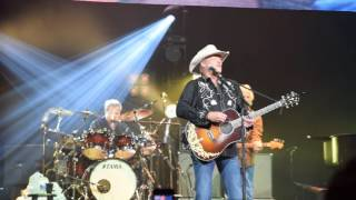 Alan Jackson - Keeping it Country Tour - Gone Country
