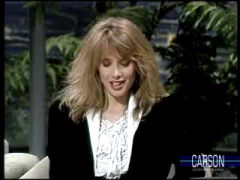 Johnny Carson's Buns are Admired by Rosanna Arquette, Tonight Show, 1986